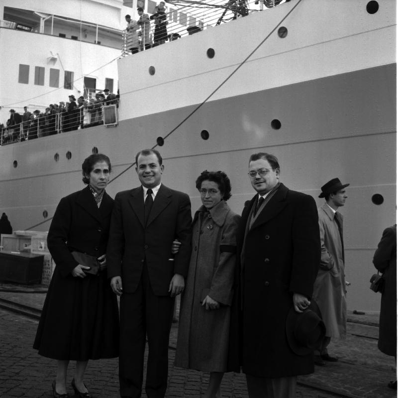 Ship Departure, Sacristan of Penha de França, 1958 [LPB180420140023]